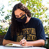 UCF Student wearing mask on campus